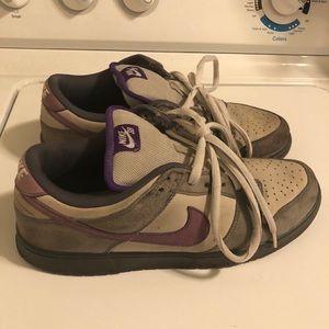 Nike SB Dunk Lows - Purple Pigeon... 8/10. Used